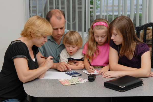 Как справляются российские семьи с карантином и кризисом