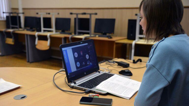 Студенты страны будут обучаться дома до 6 февраля 2021. В каких регионах?